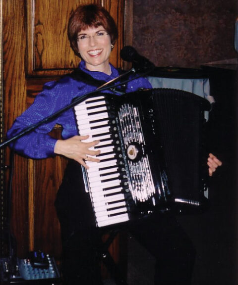 Music With A Smile and Janie Next Door with Jane Christison | MusicWithASmile.com